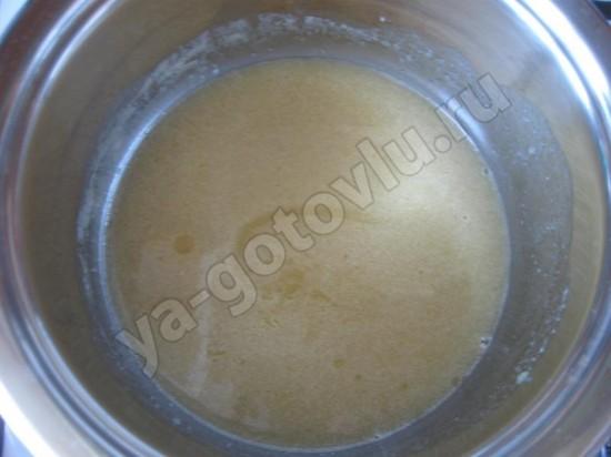 топленое масло с медом и сахаром