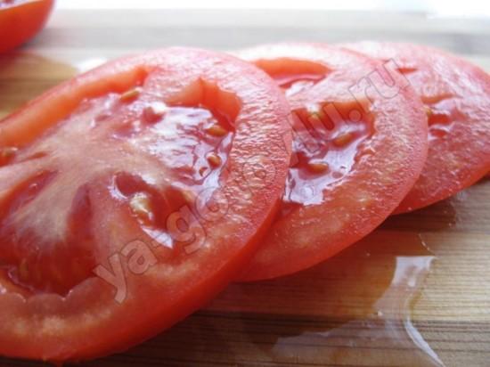 помидоры порезанные кружочками
