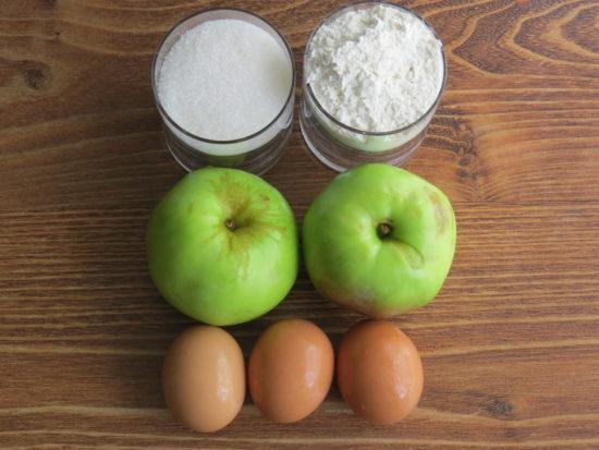 Шарлотка с яблоками – яблочная феерия