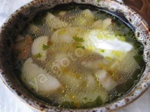 Готовый суп из белых грибов