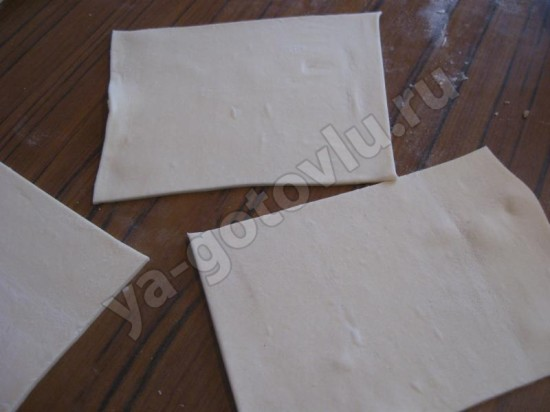 Тесто нарезанное квадратами