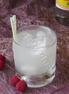 Коктейль джин-тоник