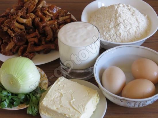 Ингредиенты для пирога с лисичками