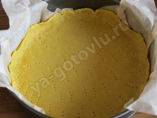 Раскатанное тесто для пирога