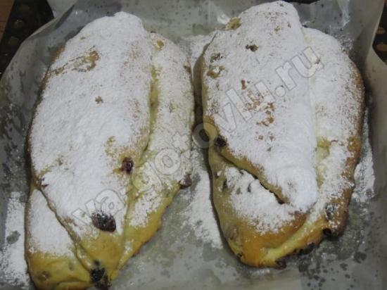 Штоллен посыпаный сахарной пудрой