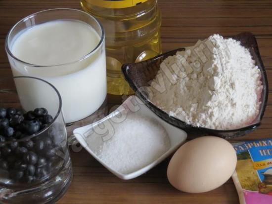 Ингредиенты для оладьев с черникой